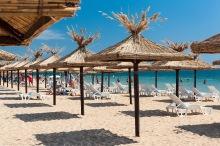 imagine de pe litoralul bulgaresc cu nisipurile de aur