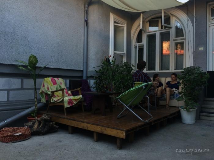 cafeneaua miau bucuresti exterior 3