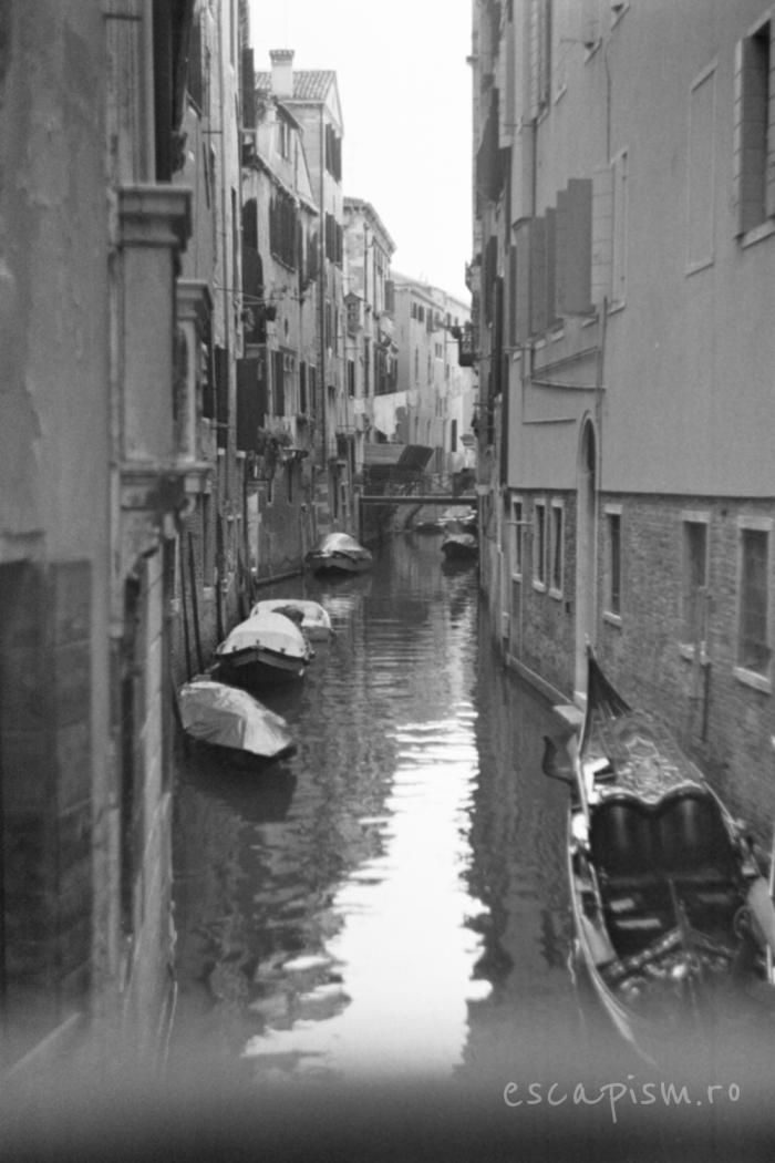 canal venetia alb negru