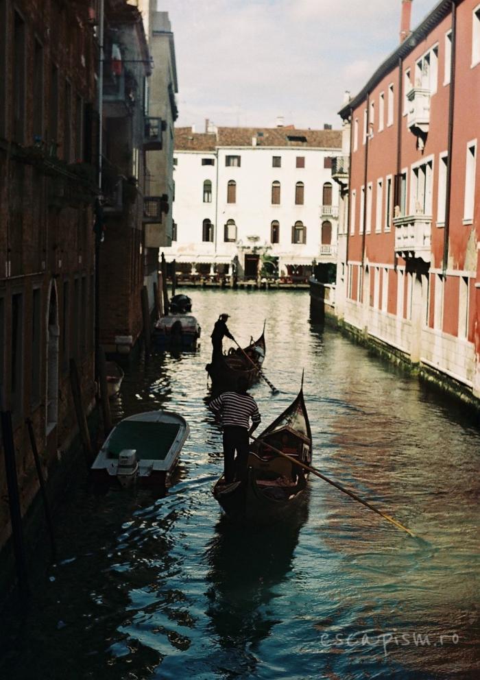 canal venetia imobile gondola 3