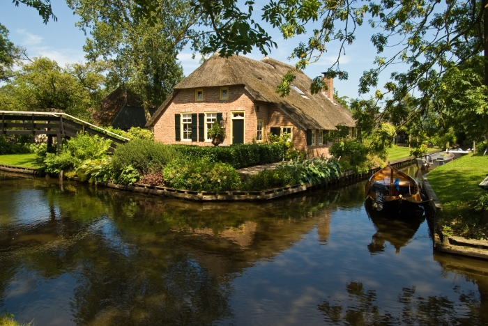 giethoorn olanda canal apa barca 5