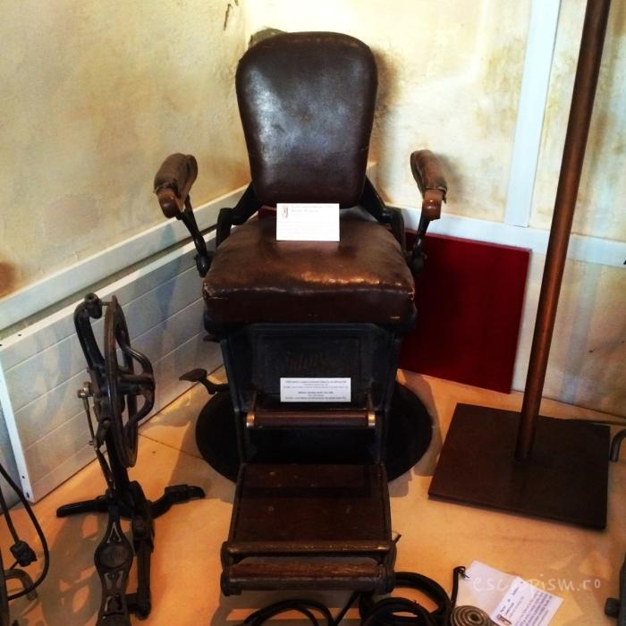 muzeul farmaciei scaun vechi dentist