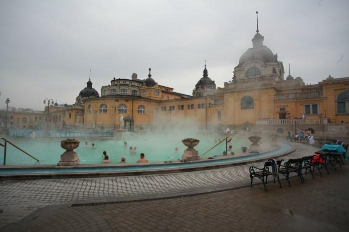 Baile-Szechenyi-Baths-Budapesta-Ungaria