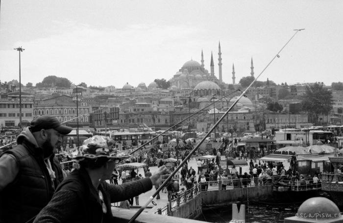 istanbul-fishermen-galata-bridge
